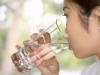 beber-agua-gelada-emagrece-1