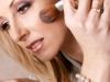 como-fazer-maquiagem-com-poucos-produtos-9