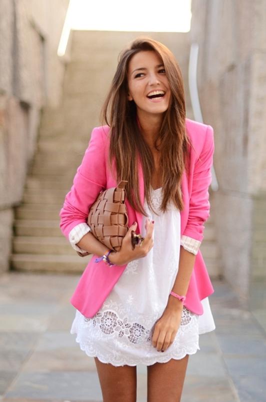 Девушки в красивой и стильной одежде